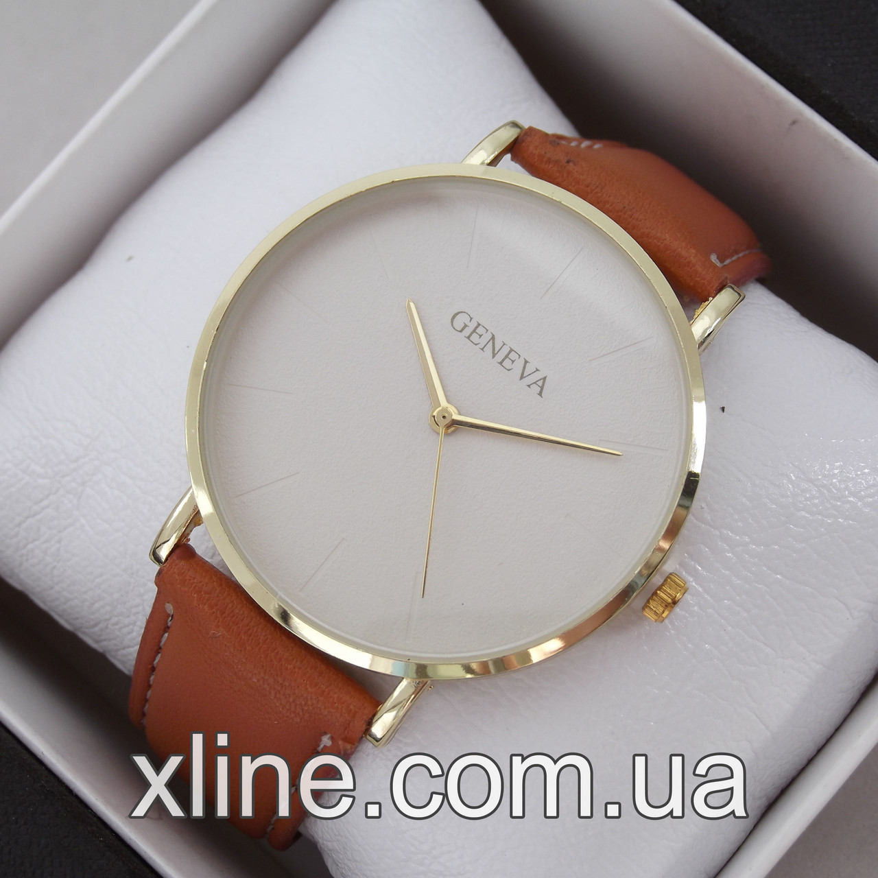 Жіночі наручні годинники Geneva M166 на шкіряному ремінці