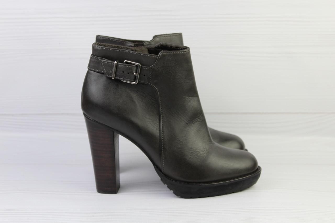 Женские кожаные ботильоны Minelli
