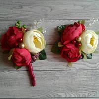 """Набір для свідків """"Бутоньєрка+браслет"""" Колір - бордо+молочний+золото . Великі квіти"""