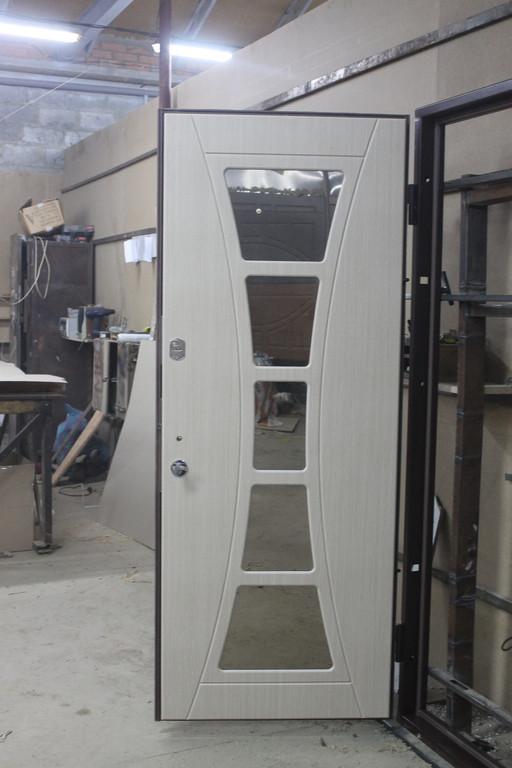 """Двери ТМ """"Портала"""", модель """"Филадельфия"""" - внутри с зеркалом"""