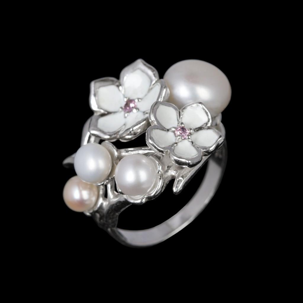 Серебряное кольцо Мерси - эмаль и жемчуг 19 размер