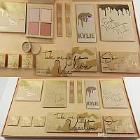 Набор косметики Kylie Jenner Take Me On Vacation Set