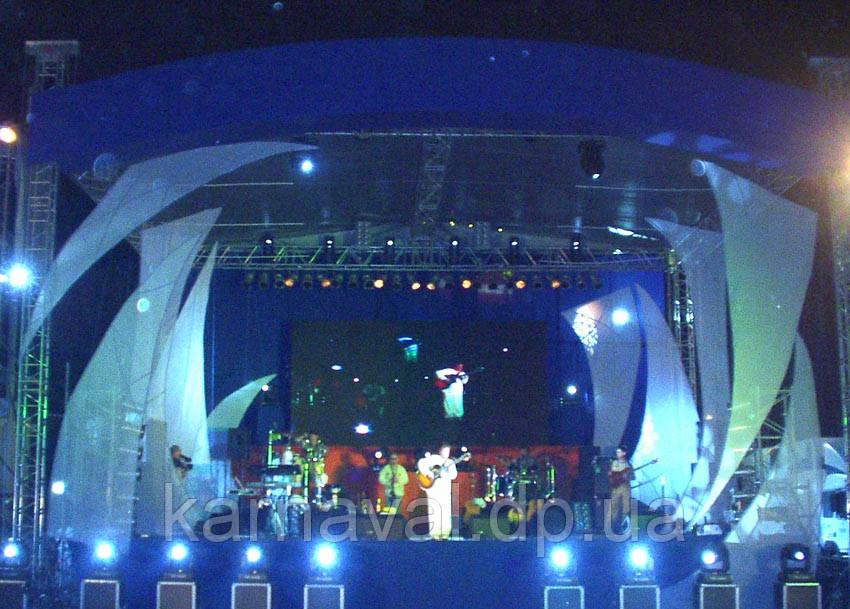 Оформление сцены концертной программы чемпионата  мира  Yalta Grand Prix of Sea 2010
