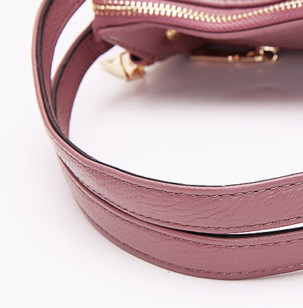Женская кожаная сумка PASTE в деталях