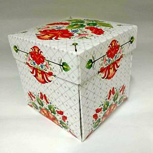 Подарункова упаковка для чашки з принтом (орнамент)