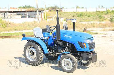Міні-трактор, Трактор T240FPK (24 к. с., 3 циліндра, КПП (3+1)х2, регульована коллея, блокування диференціал)