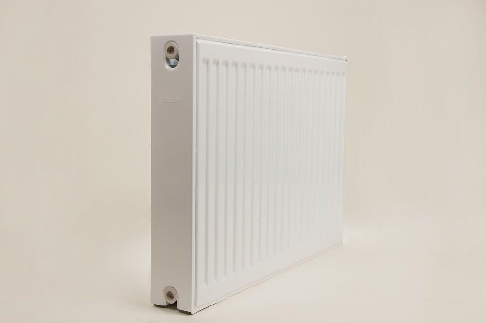 Радиатор стальной панельный UTERM с боковым подключением 22х600х2800