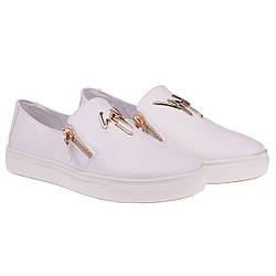 Туфли женские Olli (белого цвета, с стильными замочками, удобные, модные)