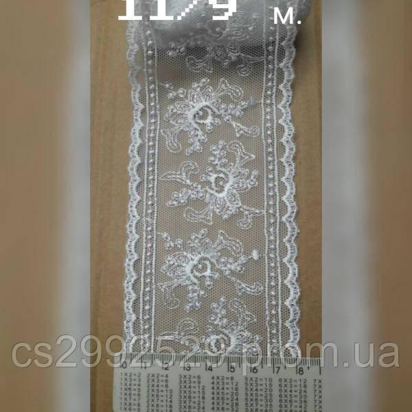 Вышивка на сетке,бант 9 метров белый.
