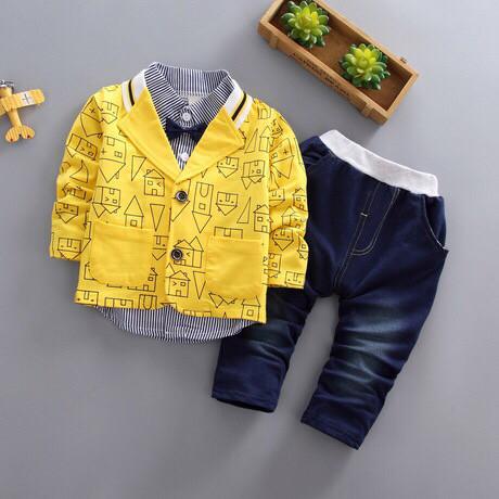 Нарядный костюм тройка на мальчика желтый 110 размер