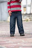 Выбираем модные джинсы для любимого ребенка