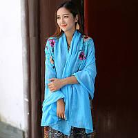 Женский большой шарф с цветами голубой