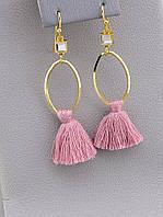 Серьги висячие кольца с розовыми кисточками 063085
