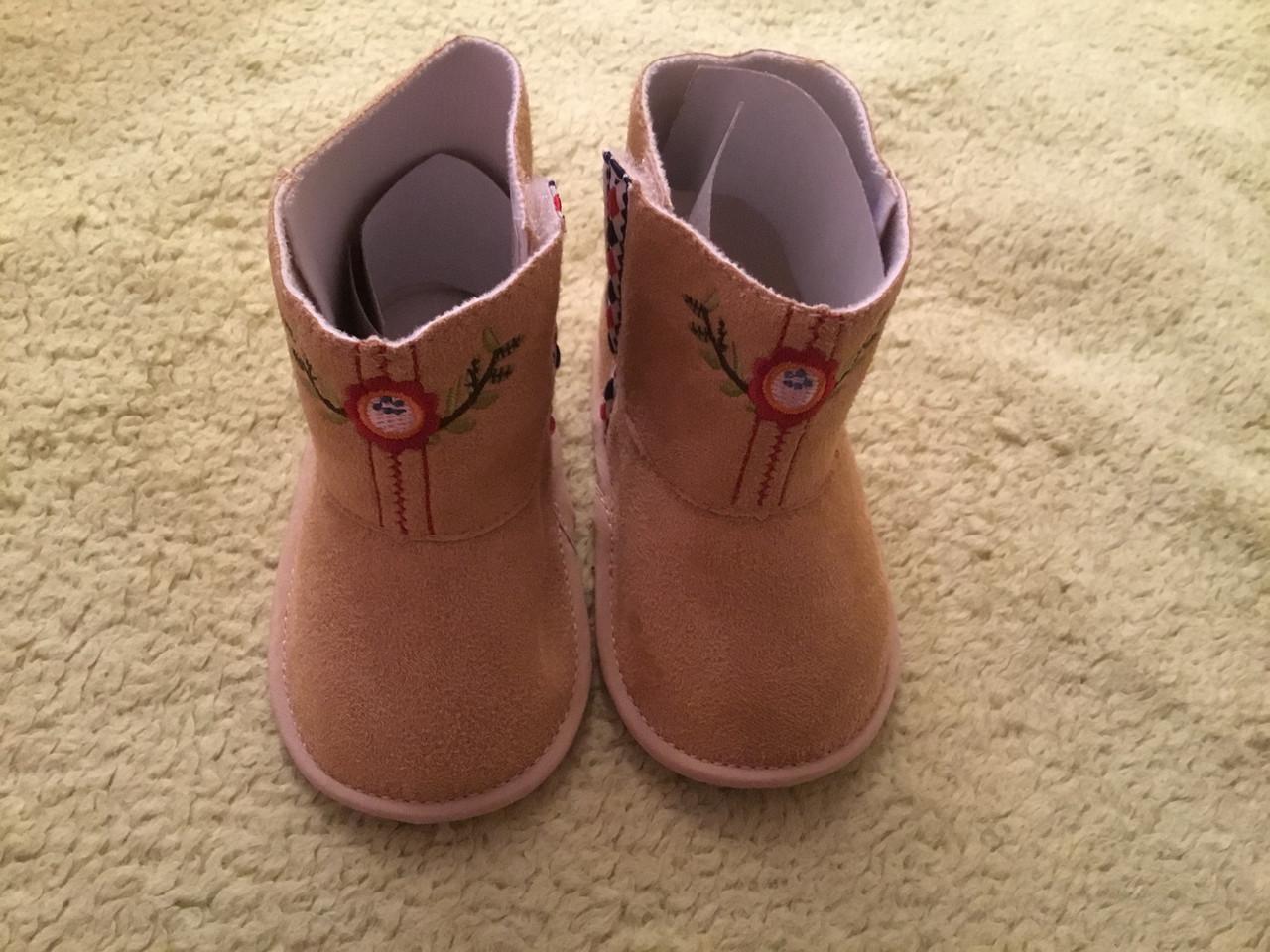Обувь для новорождённого babyland. Сапожки для девочки.