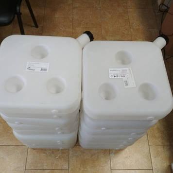 Бачок топливный, для автономного отопителя, универсальный на 10 литров. Штуцер в комплекте.