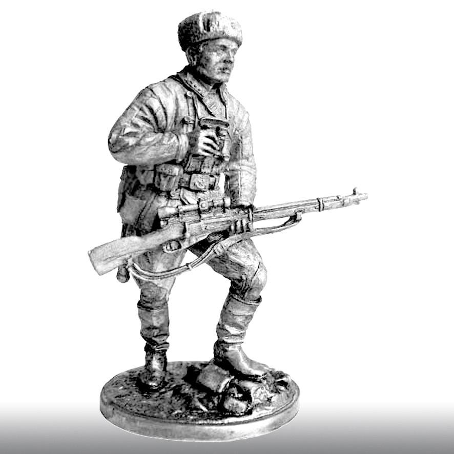 Снайпер 1047-го стрелкового полка Василий Зайцев, 1942 год