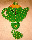 Часы настенные Чайник с чашкой зеленые в желтый горошек Часы для кухни Ручная работа, фото 3