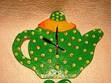 Часы настенные Чайник с чашкой зеленые в желтый горошек Часы для кухни Ручная работа, фото 5