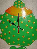 Часы настенные Чайник с чашкой зеленые в желтый горошек Часы для кухни Ручная работа, фото 6
