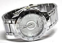 Часы на браслете 46