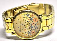 Часы на браслете 41