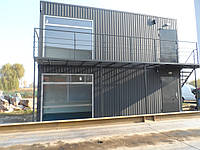 Двухэтажный Бытовой Модуль размером 7,0 х 2,5 метра Модульная Бытовка на 2 этажа и лестница с площадкой и балконом Вагончик строительный