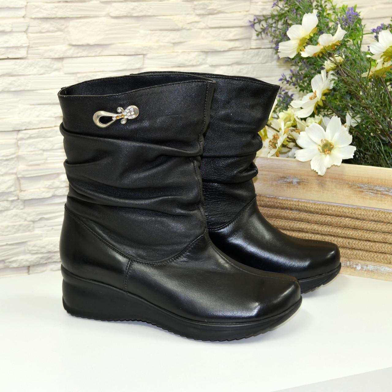 Женские кожаные зимние ботинки свободного одевания. 36 размер