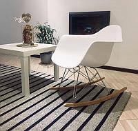 Кресло качалка с буковыми полозьями Лаунж белое реплика на кресло-качалку Eames RAR Style