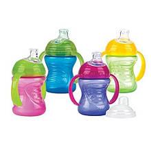 Пляшечки, поїльники і чашечки