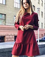 Женское бордовое платье с длинным рукавом и оборками
