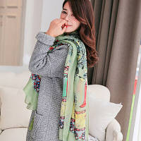 Женский большой шарф с тематическим рисунком и бахромой зеленый опт, фото 1