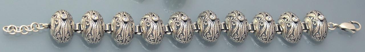 Браслет из серебра с цирконием.