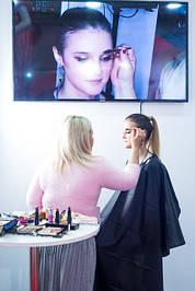 Щеточки для расчесывания бровей - оригинальный и удобный аксессуар для макияжа в нашем интернет-магазине