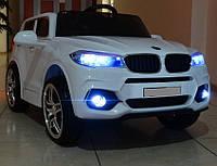 Детский электромобиль Джип BMW 505, Кожаное сиденье, Резиновые EVA колёса белый дитячий електромобіль