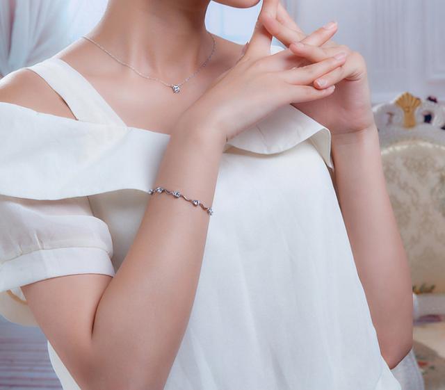 Серебряный браслет Нежность с цирконием
