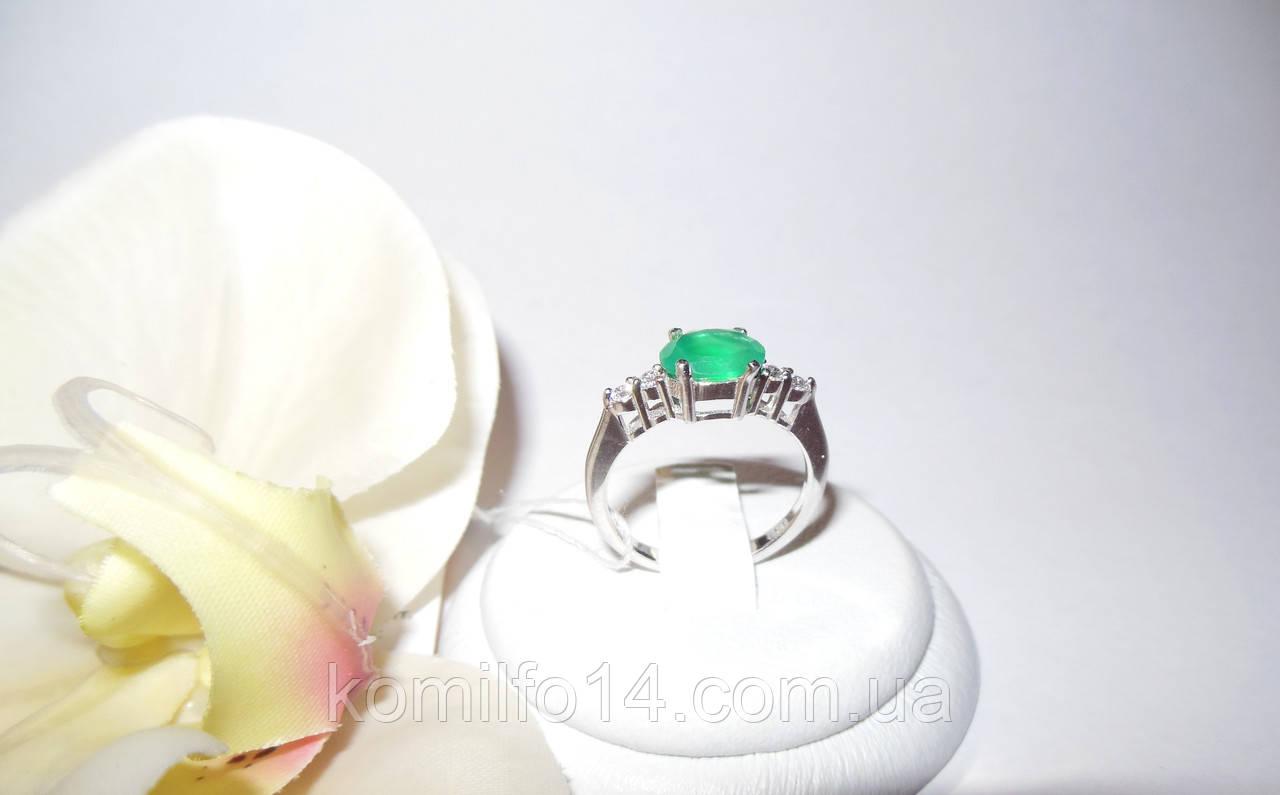 Серебряное кольцо с натуральным зеленым агатом
