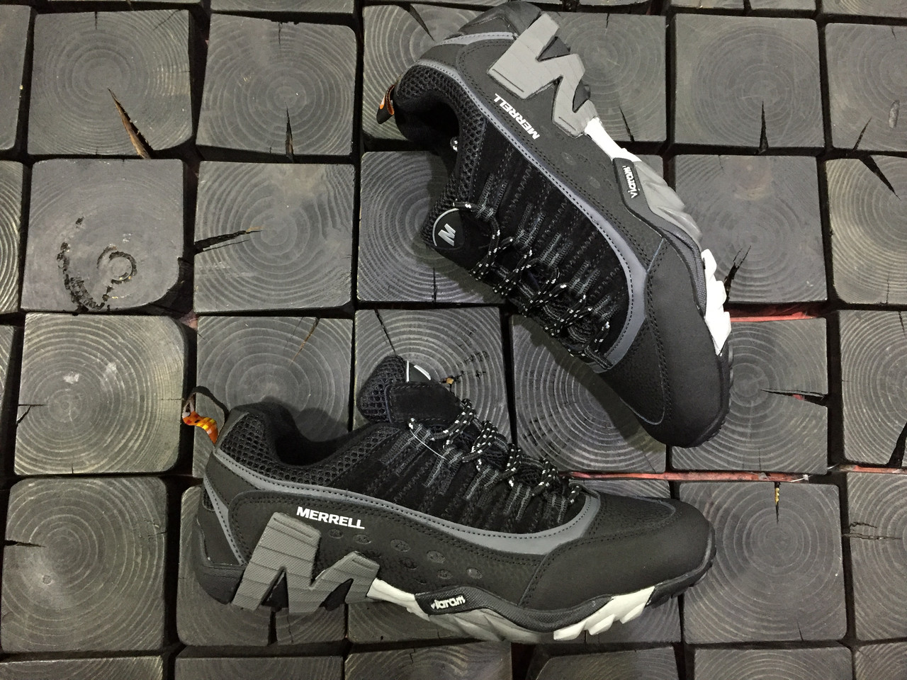 Мужские кроссовки Merrell  Gore-Tex
