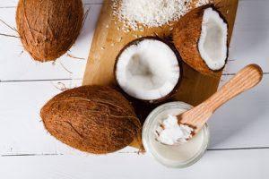 Кокосовое масло: полезные свойства и качества