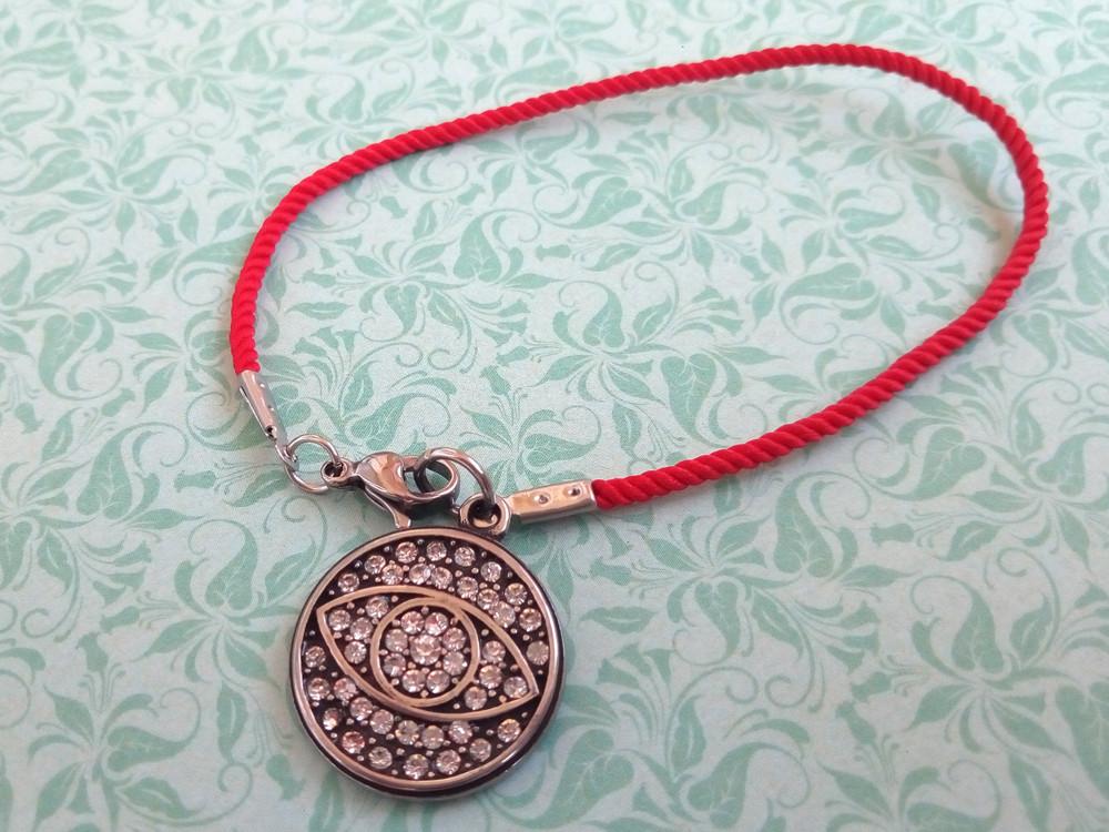 Глаз фатимы в стразах - красный защитный шелковый браслет