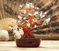 Дерево оберег с разноцветными камнями