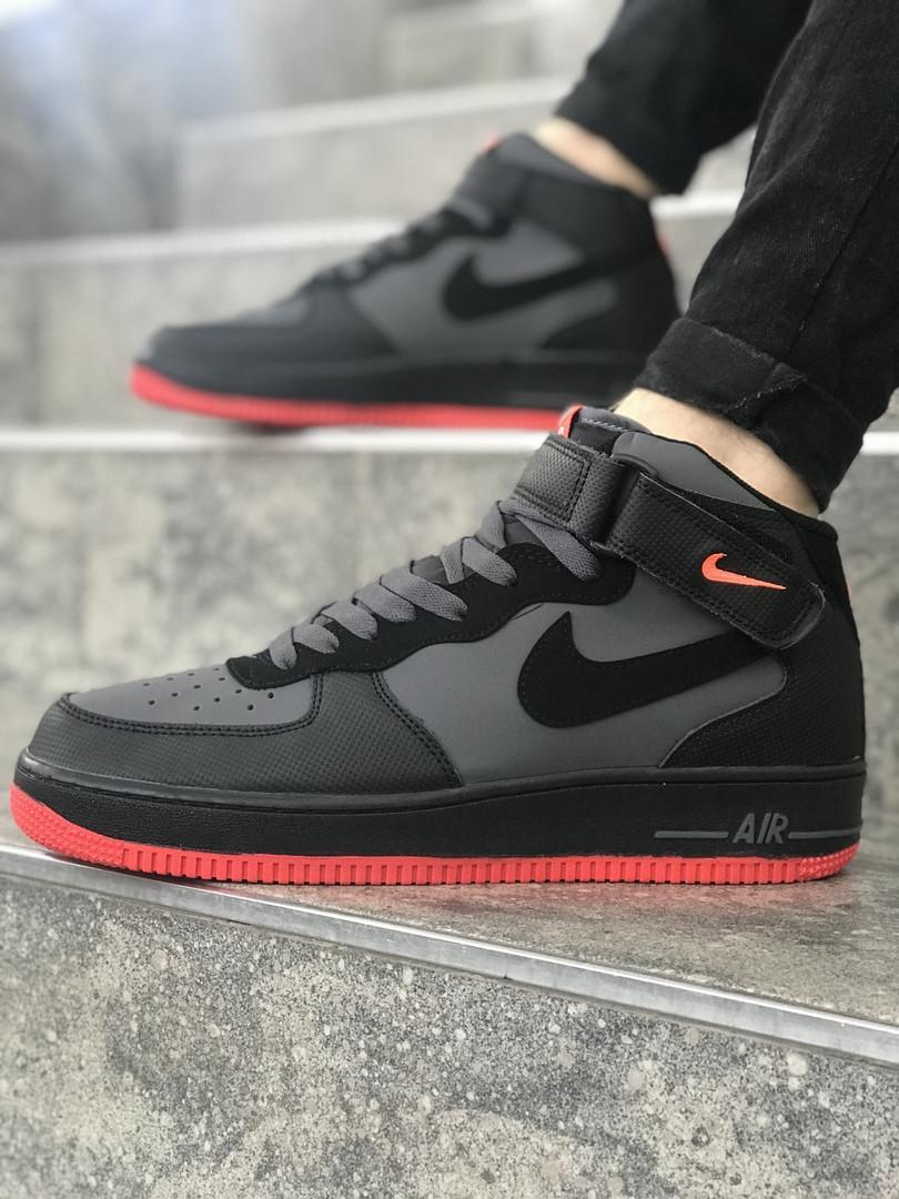 Мужские высокие кроссовки Nike черные с красной подошвой топ реплика