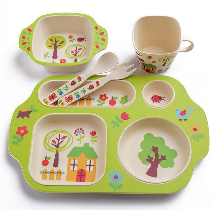 Набір дитячого посуду з бамбукового волокна з сюжетом