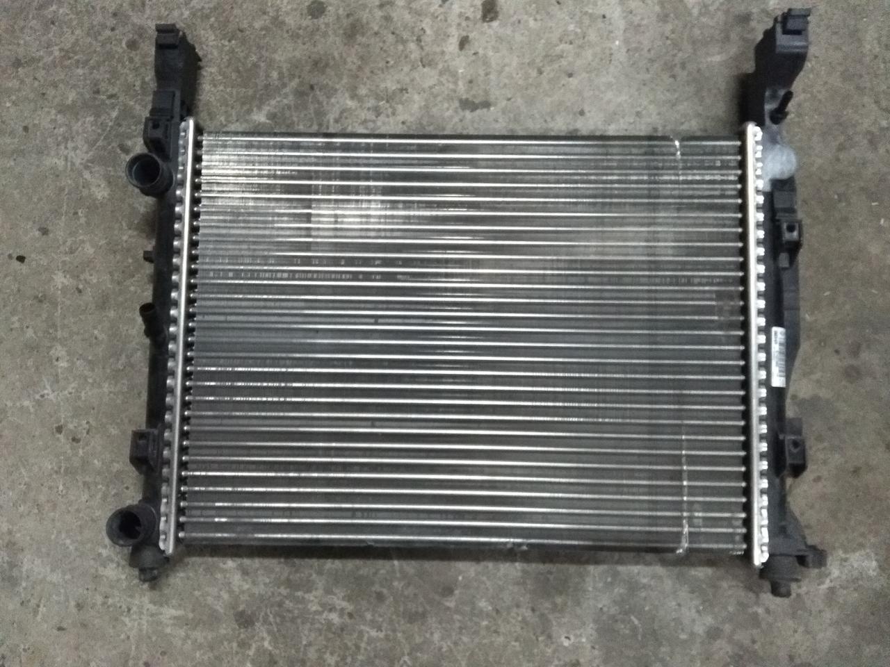 Радиатор охлаждения Рено Канго 2 1.5 Dci б/у