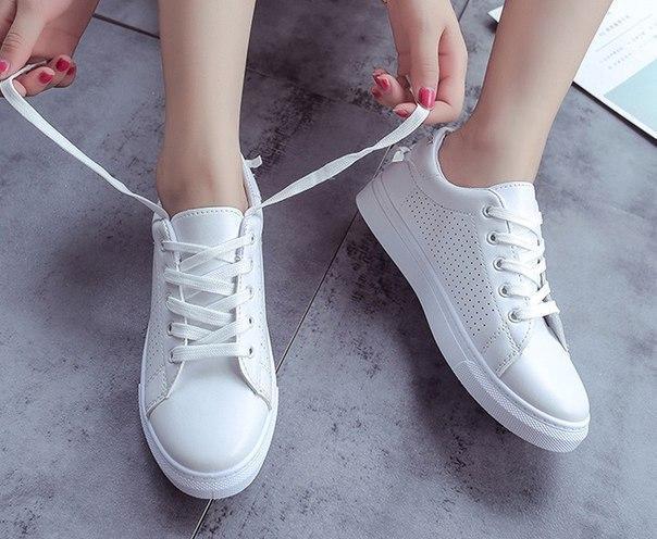 ae3e9a62 Белые кроссовки для девушек за доступной ценой, цена 330 грн., купить в  Житомире — Prom.ua (ID#788029087)