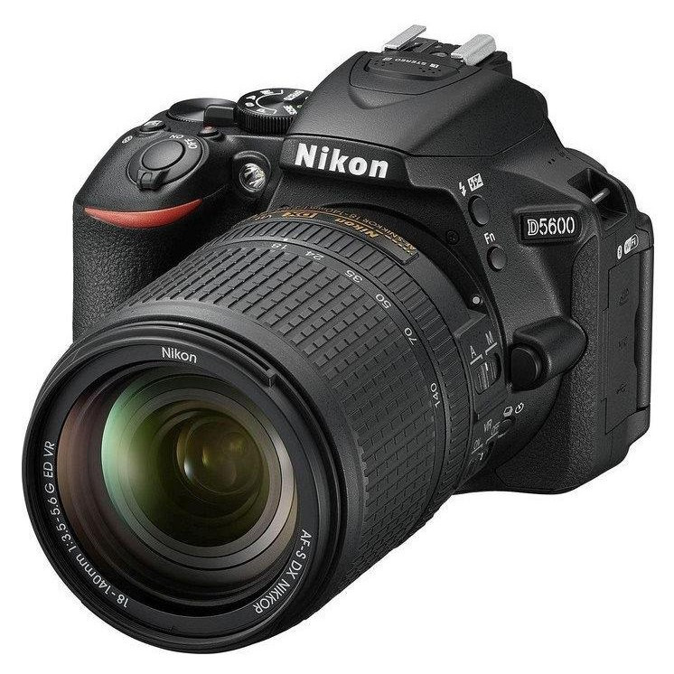 Зеркальный фотоаппарат Nikon D5600 kit (18-140mm VR)