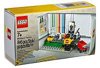 LEGO Exclusive Фабрика Минифигурок (5005358)