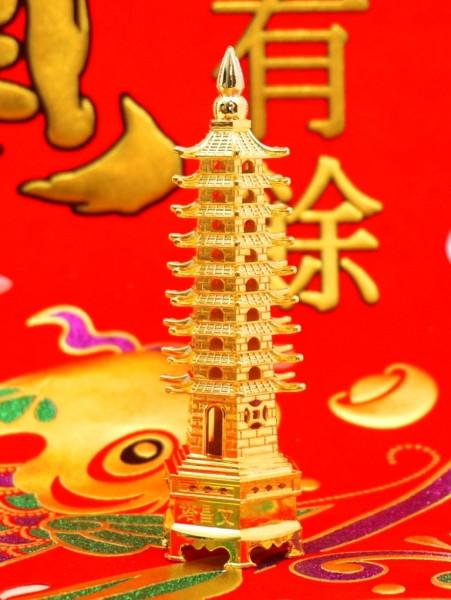 Пагода 9 ярусов в золотом цвете