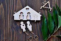 Ключница настенная для двоих с гравировкой собачки - стильный деревянный подарок друг другу и декор для дома