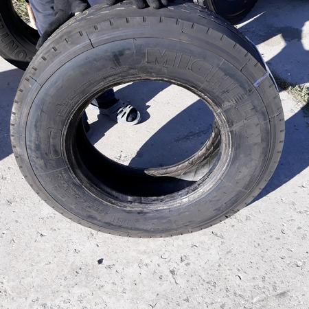 Шины б.у. 235.75.r17.5 Michelin XTE2 Мишлен. Резина бу для грузовиков и автобусов