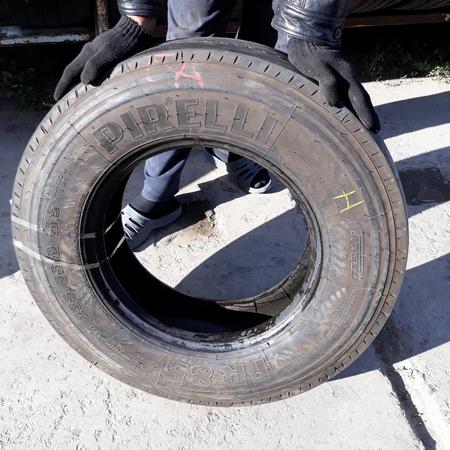 Шины б.у. 235.75.r17.5 Pirelli FR85 Пирелли. Резина бу для грузовиков и автобусов